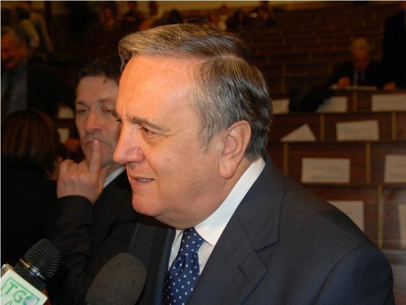 Il Ministro del Lavoro Maurizio Sacconi