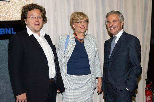 Luca Tarantelli (a sinistra), Carol Beebe Tarantelli (al centro), Bruno Costi